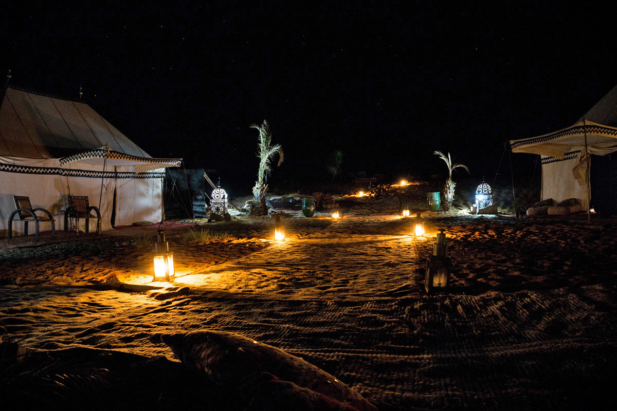 Desert Luxury Camp bei Nacht