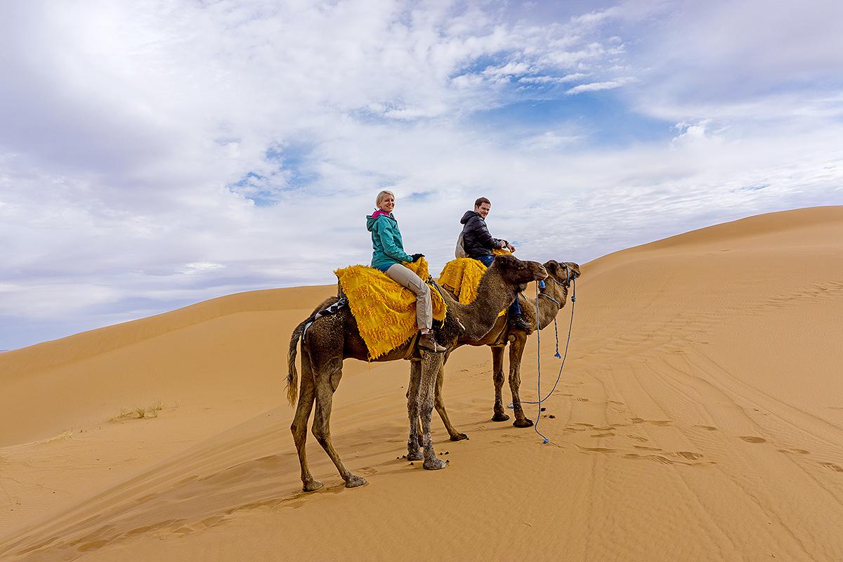 mit dem Kamel durch die Wüste