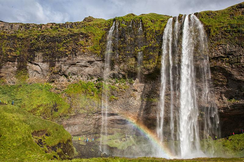 Regenbogen am Seljalandsfoss